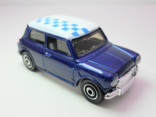 matchbox '64 austin mini cooper s (2)
