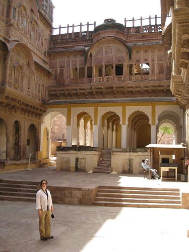 Natacha in the courtyard