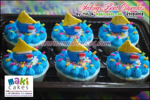 Sailing Boat Cupcakes_ - Maki Cakes