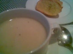 Chicken tikka soup and garlic bread