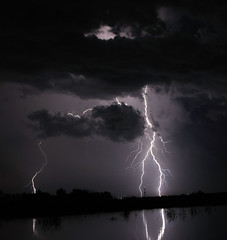 Lightning Storm by IOWAPILOT
