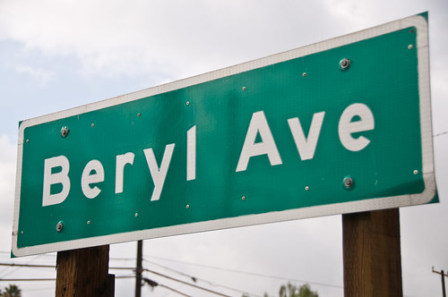 Mentone Street Signs - Beryl Ave