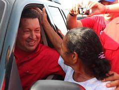 Presidente Chávez realiza recorrido por Astill...