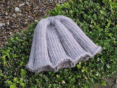 Wooly Wormwoods Ribbed Beanie, Debbie Bliss Como