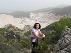 Mercedes Avila visitando las canteras