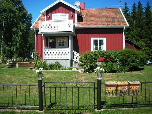 Farmhouse cottage - notice the mailboxes