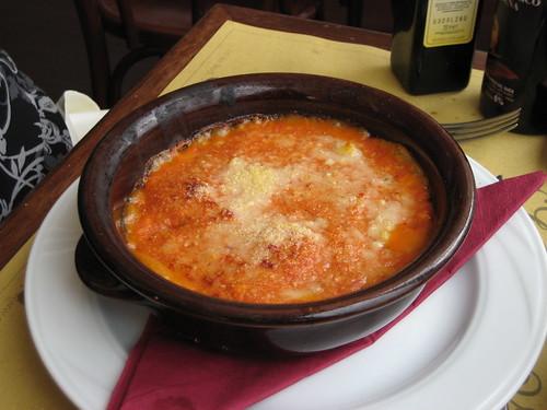Spinach Ravioli & Tomato Sauce