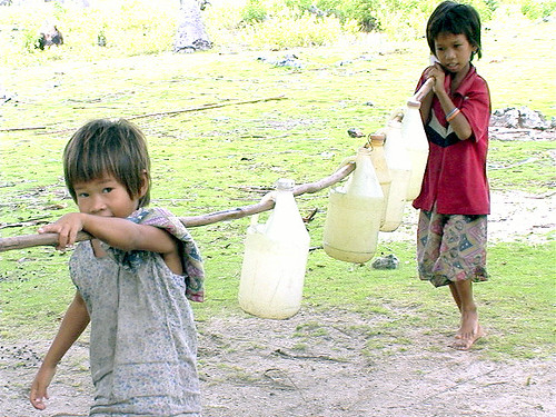 Philippinen  菲律宾  菲律賓  필리핀(공화�) Pinoy Filipino Pilipino Buhay  people pictures photos life boy,  Philippines, rural, scene, working, young Tawi-tawi, Mindanao