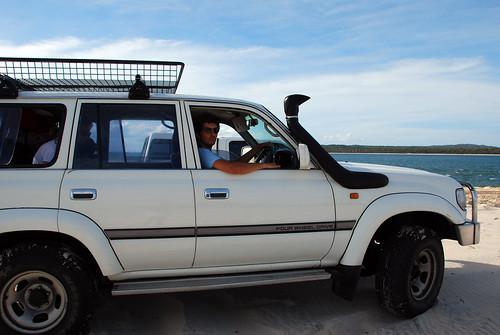 Conduciendo el mega Toyota Landcruiser
