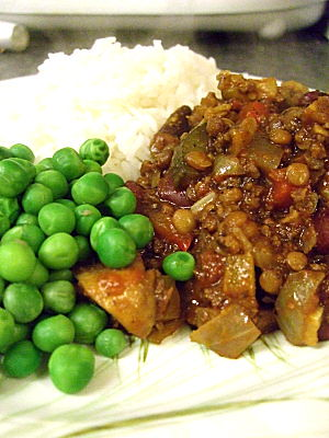 Chilli Con Carne, with rice and peas