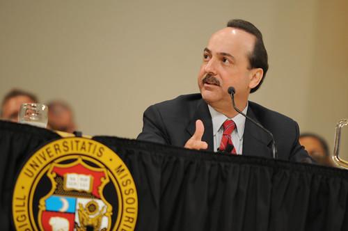 Ralph de la Vega, AT&T Mobile