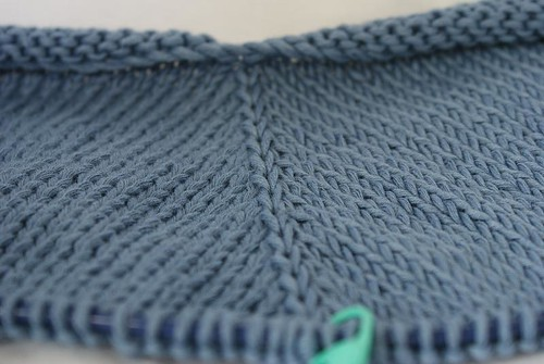 Cropped Cardigan with Leaf Ties