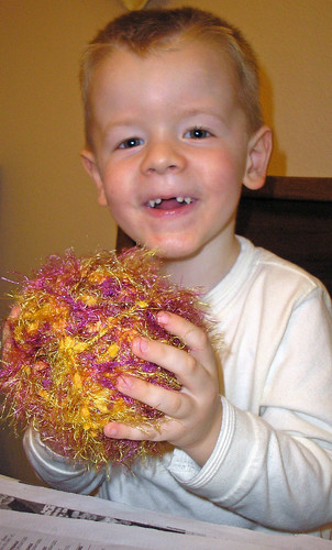 Yarn ornaments (10)