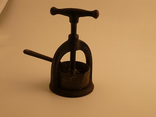 Columbia #2 Meat Juice Press Made by Landers, Frary & Clark New Britain Conn, USA