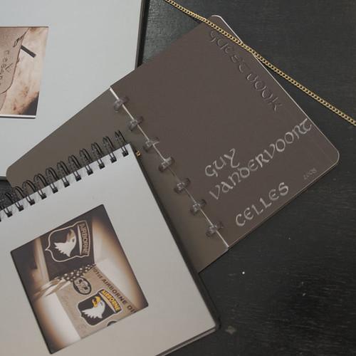 Calligraphie onciale pour livre dor