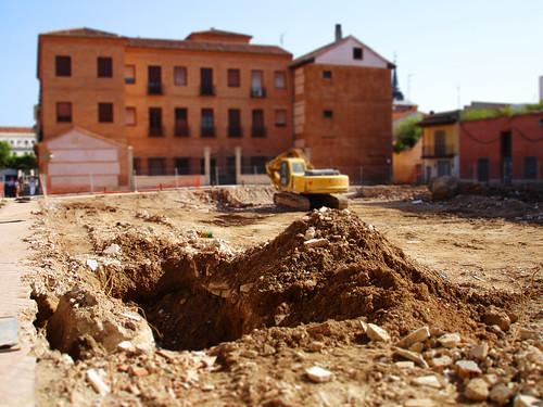 Derribando el antiguo mercado de Alcalá