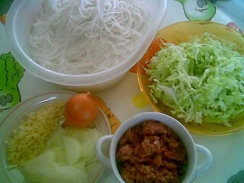 Fried corned beef mihun ingredients
