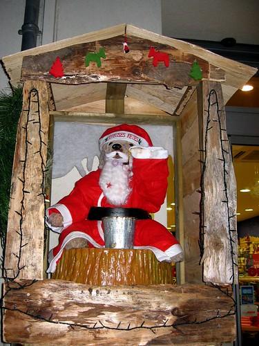 The Montelimar bear returns, sporting the holiday spirit.