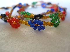 Daisy bead necklace - close up
