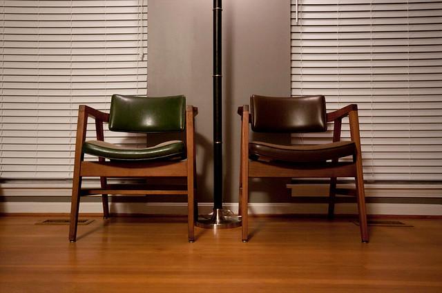gunlocke_chairs