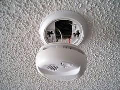 smoke detector (05-04-08)