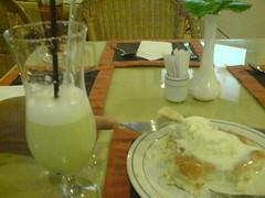 Jus melon + 1 buah pancake double vanilla