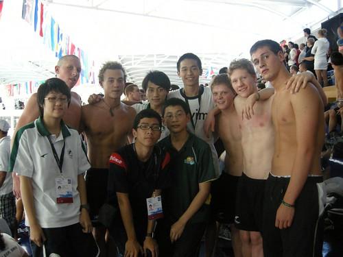 2FYWSC澳門隊在賽場與紐西蘭運動員合照