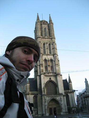 Día 4: Bélgica (Bruselas: Manneken Pis, Grand Place, Iglesia St Nicolas, Parque Cinqantenaire, Parlamento Europeo, etc. Gante: Iglesias St Pietersabdij, St Niklass y St Michiels, Patershol, Castillo Gravensteenm, Groenten Markt, Diuvelsteen, Catedral, etc).