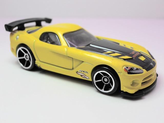 hot wheels easter eggsclusive '08 dodge viper srt10 acr (2)