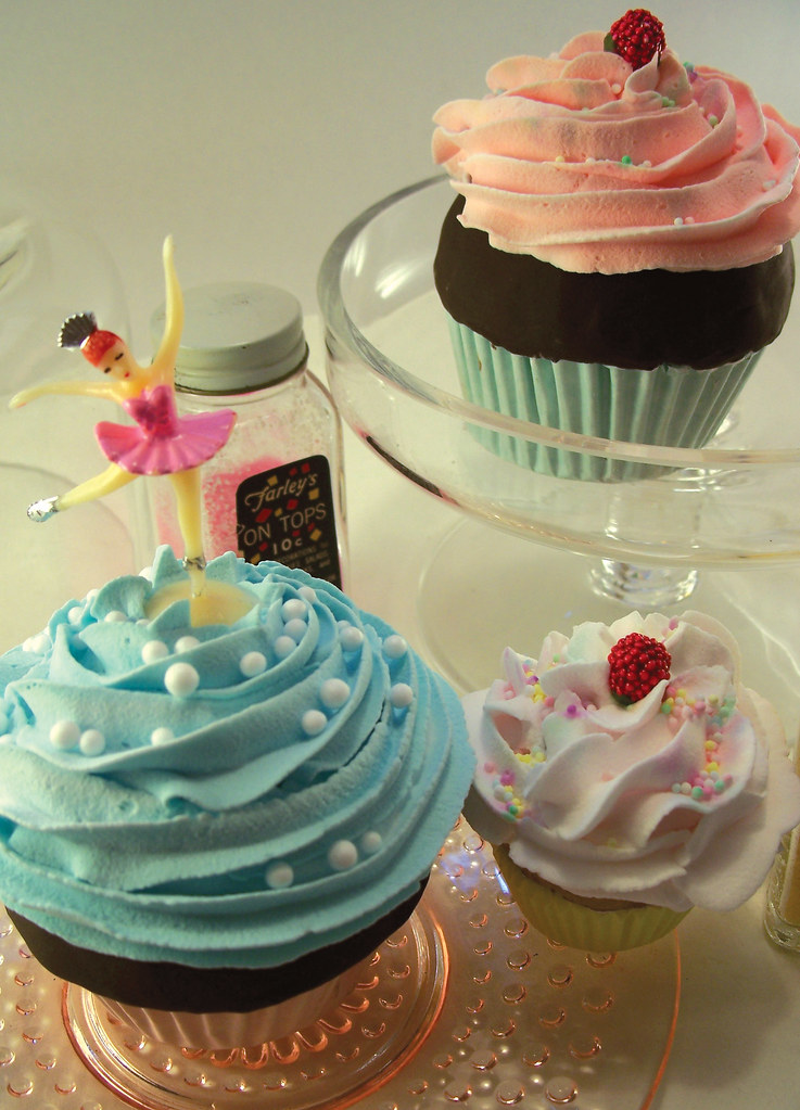 Sugar Amp Meringue How To Fake Cupcakes