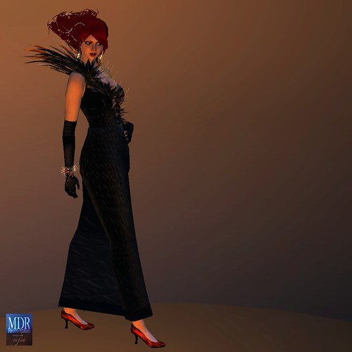Here, all three skirt prims have been removed, revealing the shoes clearly.