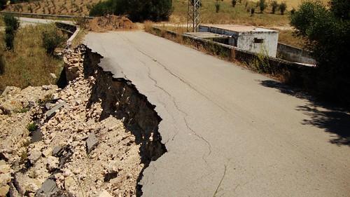 Carretera cortada entre Arcos y el Embalse de Bornos