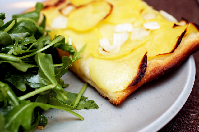 potato pizza, arugula salad