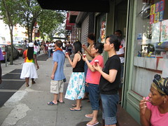 cupcake eaters on Fulton Street