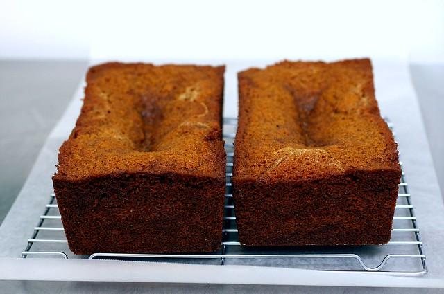 sunken honey cakes