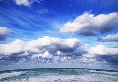Gabriel Robledo - Deep Blue Sky - Cielo Azul (Flickr)
