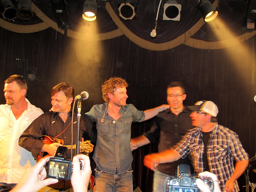 Final bow from Dierks & the Traveling McCourys