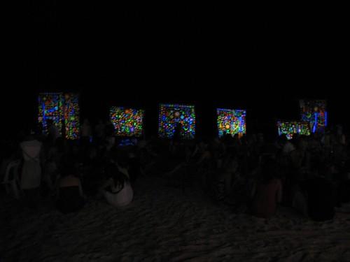 Paint vendors on the beach
