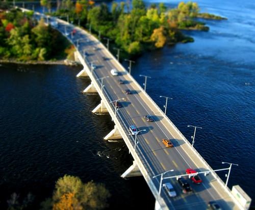 Champlain Bridge - Tiny Town
