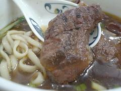 [吃] 大座??肉麵 (4)_牛肉蠻大塊