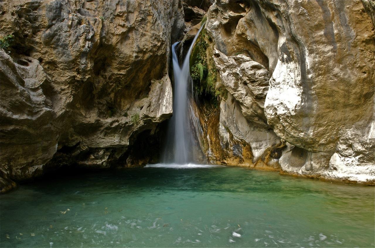 Resultado de imagen de Las Chorreras del Río Verde