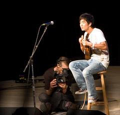 "Jake Shimabukuro • <a style=""font-size:0.8em;"" href=""http://www.flickr.com/photos/54494252@N00/2785246327/"" target=""_blank"">View on Flickr</a>"
