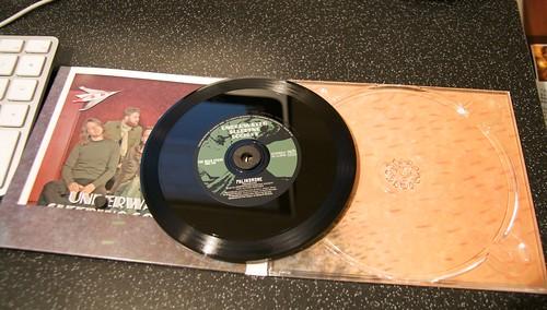CD-vinyylihybridi