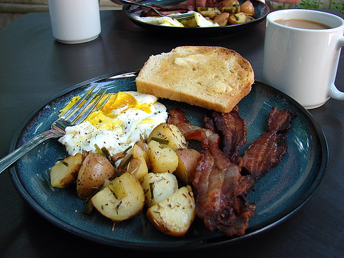breakfast alfresco