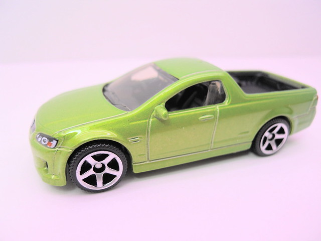 matchbox '08 holden ve ute ssv (2)