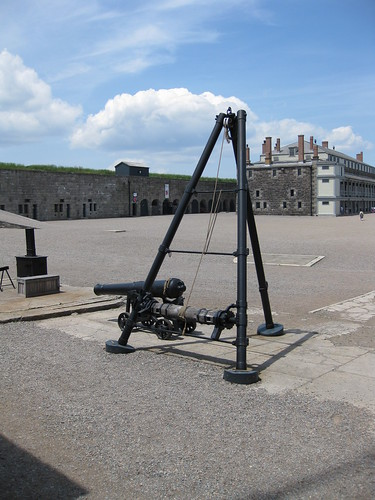 Apparatus used to haul cannons