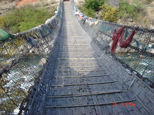 Pont suspendu de Paro, au Bhoutan © Hewy