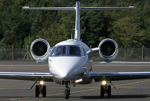 Frente Learjet