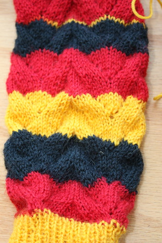 the single yellow row is where I worked across the instep after the heel turning