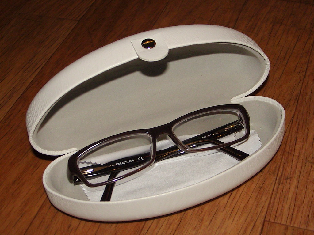 unboxing my glasses 3